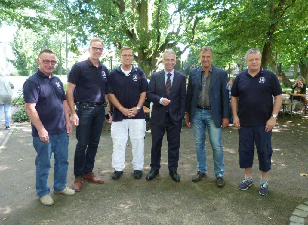 Vereinsring Vorstand ohne Dame mit Oberbürgermeister Peter Feldmann